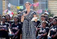 """Megana Mārkla Āfrikā sevi nosaukusi par """"krāsaino sievieti"""""""