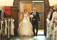 Šī līgava pārsteidza visus klātesošos baznīcā. Kāzās neviens to negaidīja