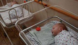 Grūtniece piedzīvo šausmīgu atgadījumu dzemdību namā. Var tikai minēt, cik briesmīgi viņa jutās